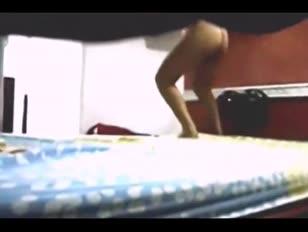 Macho brazylijski chłopak plumbuje parującą lalkę po 99 dniach