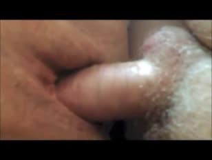 Dojrzały puss śliwkowy zbliżenia creampie